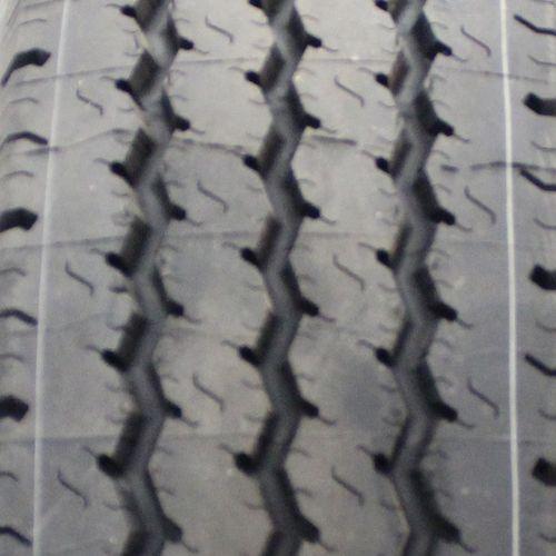 Michelin XPS Rib LT215/85R-16 39510