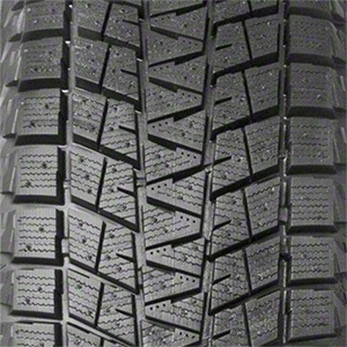 Bridgestone Blizzak DM-V1 P245/70R-16 097062