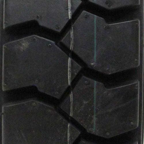 Cordovan Premium Industrial Lug + 5.00/--8 DS6121