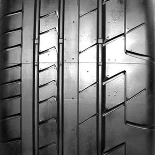 Bridgestone Potenza RE070 265/35R-20 000426