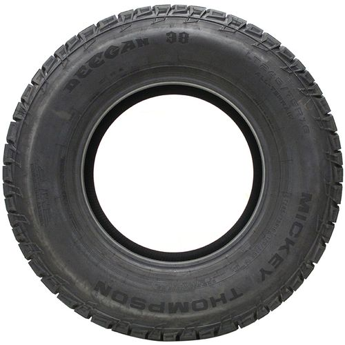 Mickey Thompson Deegan 38 A/T P235/70R-16 90000029728