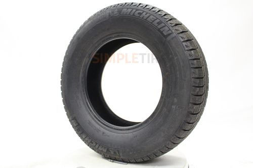 Michelin X-Ice Xi2 P215/65R-17 36915